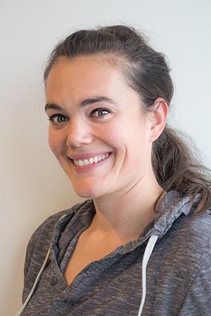 Rosita Larsen, Regnskabschef